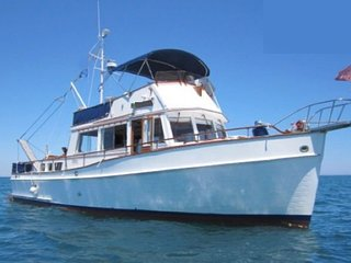 Make your dream come true- Bahamas, sleep and stay on  a 43`Trawler Yacht