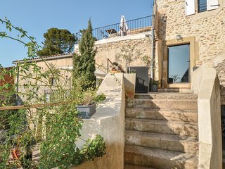 Nice home in Ribaute les Tavernes w/ Outdoor swimming pool, WiFi and Outdoor swi
