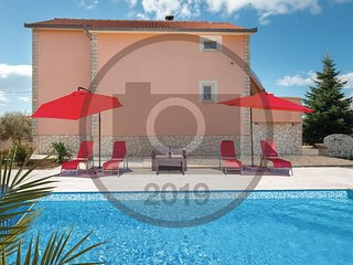 Stunning home in Miranje w/ Outdoor swimming pool, WiFi and Outdoor swimming poo