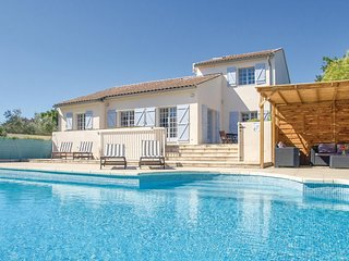 Awesome home in Thezan les Beziers w/ Outdoor swimming pool, Outdoor swimming po