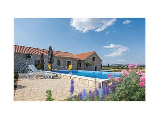 Amazing home in Lisane Tinjske w/ Outdoor swimming pool, Outdoor swimming pool a