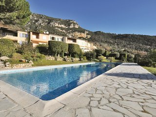 Amazing home in Tourrettes-sur-Loup w/ WiFi, 2 Bedrooms and Outdoor swimming poo