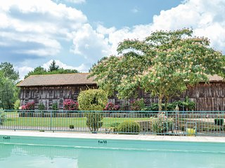Beautiful home in St Pierre d'Eyraud with WiFi, Outdoor swimming pool and 3 Bedr