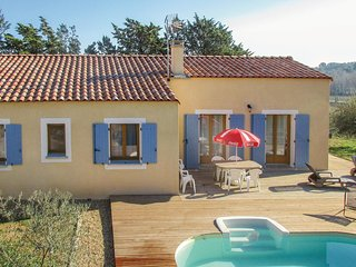 Stunning home in Pouzols-Minervois w/ Outdoor swimming pool, WiFi and Outdoor sw