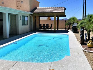 Summer Special LakeHavasu  Pool, 3 KING Beds, Private yard and Comfortable Patio