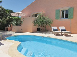 Awesome home in Creissan w/ Outdoor swimming pool, Heated swimming pool and 5 Be