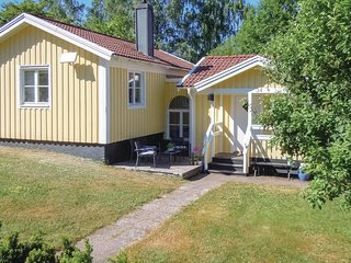 Nice home in Ullared w/ 2 Bedrooms