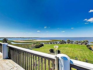 TurnKey - Paradise on Rollover Bay - Waterfront Gem w/ Dock, Gazebo & Views