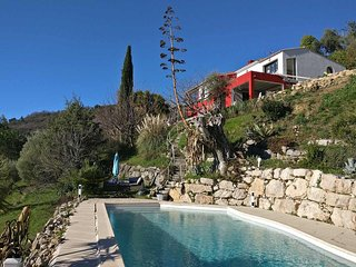 Ravissant Appartement dans Villa, avec Terrasse et Piscine