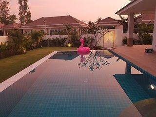 Villa De Veluwe luxurous Pool villa