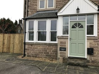 Immaculate 3 double bedroomed, 3 bathroom self catering accommodation in Matlock