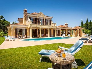 5 bedroom Villa with Air Con - 5781161