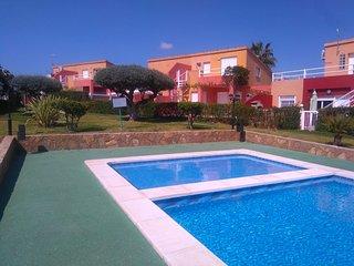 Adosado en Peñiscola en Residencial Les Moles número 24.