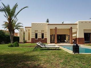 luxueuse villa en exclusivité avec jardin et piscine privé
