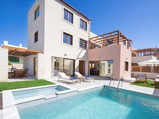 Theasis Luxury Villa, 250m From Agia Marina Sandy Beach Chania
