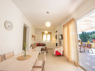 Miltiadis Deluxe Apartment