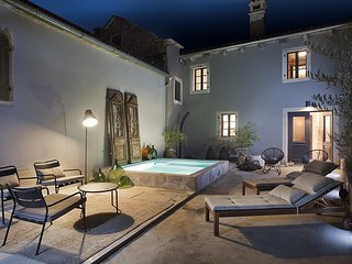 Lovely Villa Petit, in Istria, with a Pool