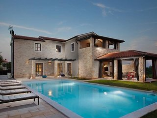 Lovely Villa Tajna, in Istria, with a Pool