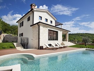 Lovely Villa Royal Blue, in Istria, with a Pool