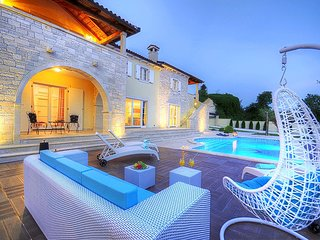 Stone Villa Hedone, in Istria, with a Pool