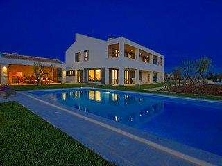 Beautiful Villa Bianca, in Istria, with a Pool
