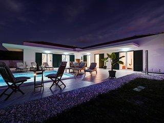 Beautiful Villa Anica, in Dalmatia, with a Pool
