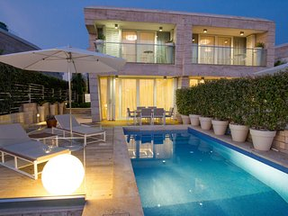 Lovely Villa Camelia, in Dalmatia, with a Pool