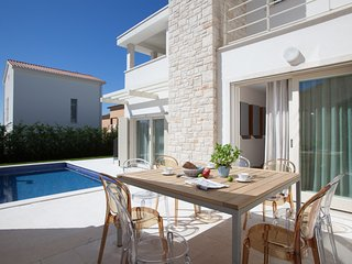 Modern Villa Ginevra, in Istria, with a Pool