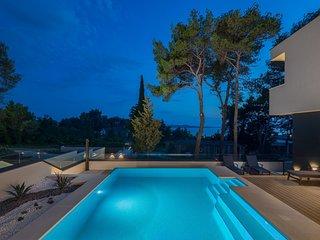 Luxurious Villa Grancaric, in Dalmatia,with a Pool