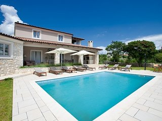 Beautiful Villa Divina, in Istria, with a Pool