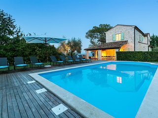 Rustic Casa Bella, in Istria, with a Pool
