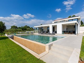 Luxury Villa Gin & Tonic, in Istria, with a Pool
