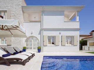 Beautiful Villa Pia, in Istria, with a Pool
