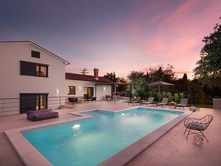 Lovely Villa del Sol, in Istria, with a Pool