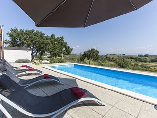 Beautiful Villa Ana Istra, with a Pool