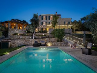 Villa Stella Maris, near Dubrovnik, with a Pool