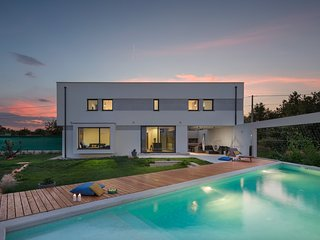 Modern Villa Leccino, in Istria, with a Pool