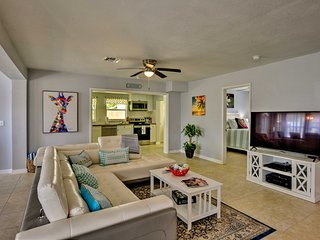 NEW! Pet-Friendly Vero Beach Home- 2.5 Mi to Beach