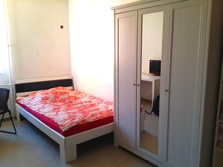 Nice Flat,Uni/City center,wifi,kitchen,calm garden