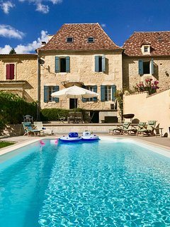 Maison Cinq Arches - Riverside Villa with pool overlooking Dordogne & Bridge