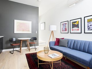 Sonder | Old City | Charming 1BR + Queen Bed