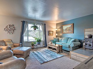 NEW! Kittredge Condo w/ Deck - by Red Rocks+Hikes