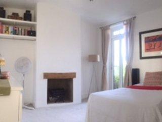 Single room with french door direct to garden.Very comfortable, light and airy.  TV + hairdryer.