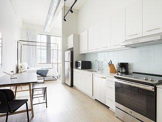Sonder   Museum District   Cozy Studio + Rooftop