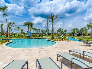 Luxury 5 Star Home on Storey Lake Resort, Minutes from Disney World, Orlando