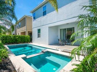 Luxury 5 Star Villa on Encore Resort,Minutes from Disney World, Orlando Villa