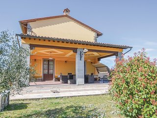 Nice home in Cortona w/ WiFi, Outdoor swimming pool and 4 Bedrooms