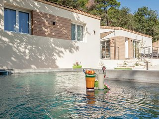 "Stunning home in Saint Marcel d""Ardeche w/ WiFi, 3 Bedrooms and Outdoor swimmin"