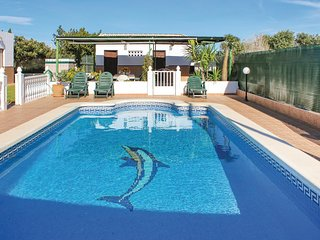 Amazing home in Guardamar del Segura w/ WiFi, 3 Bedrooms and Outdoor swimming po