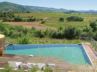 Nice home in Prades sur Vernazobres w/ WiFi, Outdoor swimming pool and 4 Bedroom